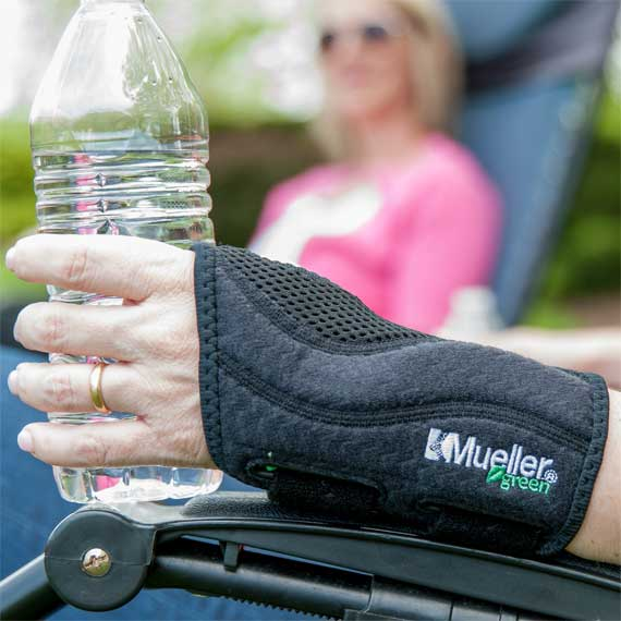 Mueller Green Fitted Wrist Splint